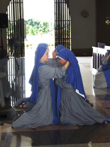 Change of veils for the professed sisters