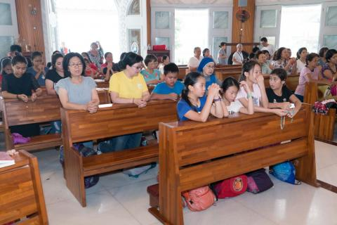 Taiwan, outing of faithful from Zhongli parish to a pilgrim site of Our Lady