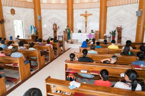 Taiwan, outing of faithful from Zhongli parish to a pilgrim site of Our Lady, during the holy mass