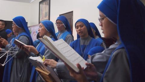 sisters singing in Christmas vigil mass